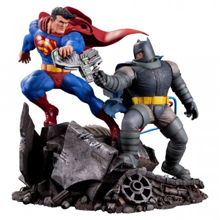 Action Figures Estátua Batman Vs Superman - Frank Miller - Dc Collectibles-Batman Dark Knight Returns-