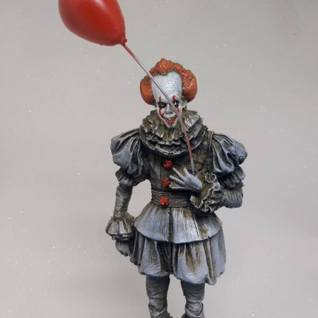 Action Figures Figura De Resina- It- A Coisa: Pennywise-IT A Coisa-